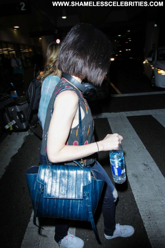 Lucy Hale Lax Airport Beautiful Los Angeles Posing Hot Paparazzi Babe