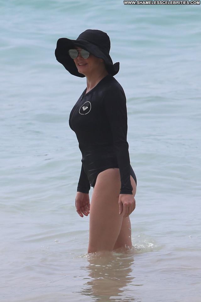 Replies No Source Actress Singer Beautiful Posing Hot Celebrity Sexy