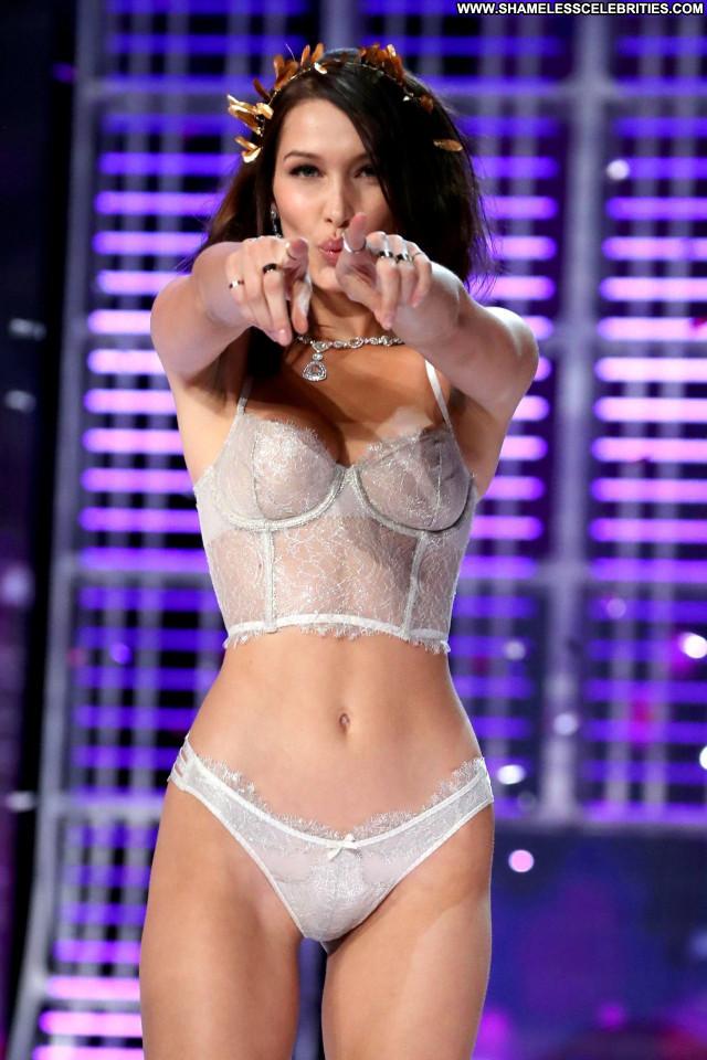 Elsa Hosk Fashion Show Celebrity Toples Usa Angel Topless Sexy