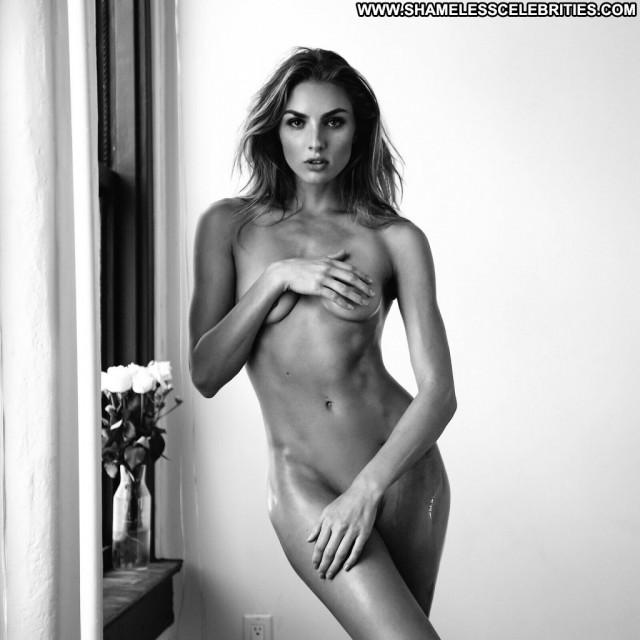 Noni Janur Anna Nicole Sex Nyc Videos Singer River Legs Hat Bikini