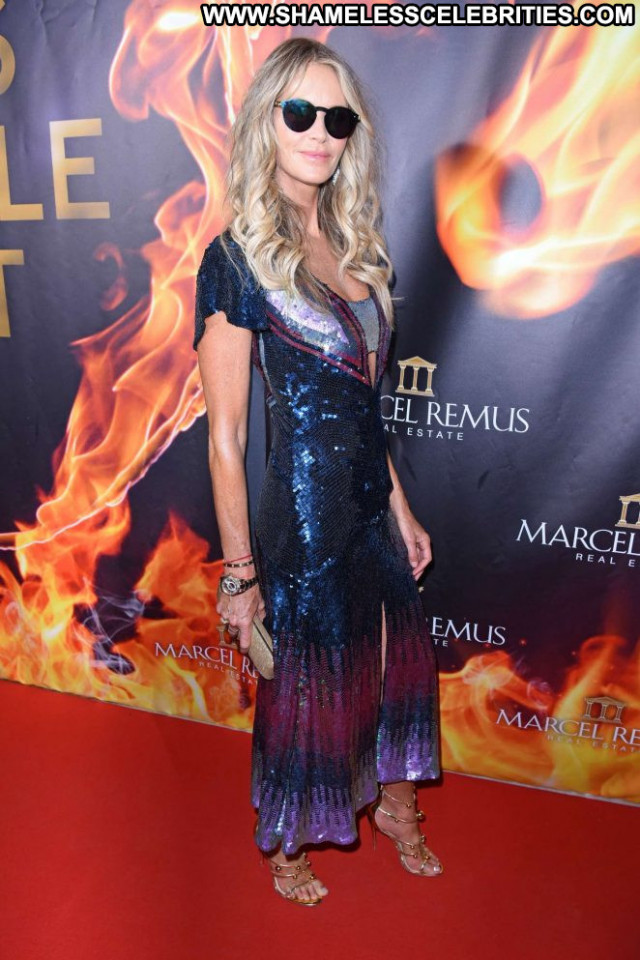 Elle Macpherson Le Mac Babe Paparazzi Beautiful Celebrity Posing Hot