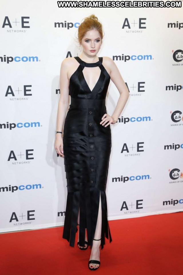 Ellie Bamber Red Carpet Celebrity Babe Red Carpet Beautiful Posing