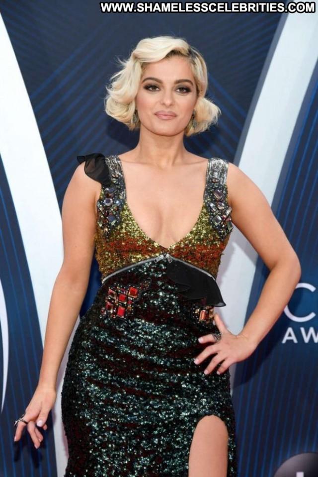 Bebe Rexha Cma Awards Celebrity Awards Posing Hot Paparazzi Beautiful