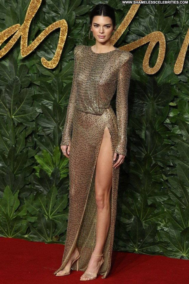 Kendall Jenner The British Fashion Awards In Car Brunette Old London