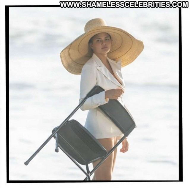 Chrissy Teigen No Source Beautiful Paparazzi Magazine Babe Celebrity