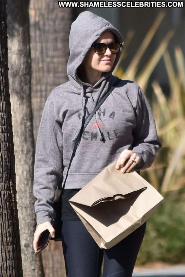 Isla Fisher Studio City Paparazzi Celebrity Posing Hot Babe Beautiful