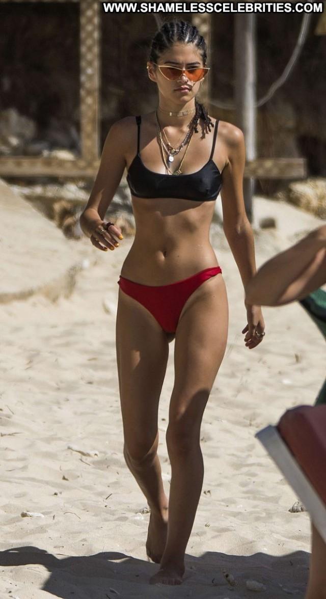 Kim Turnbull The Beach Babe Bikini Black Posing Hot Bar Paparazzi