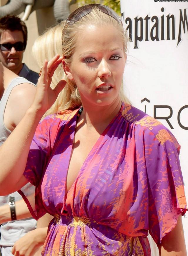 Kendra Wilkinson Independence Day Babe Posing Hot Beautiful Resort