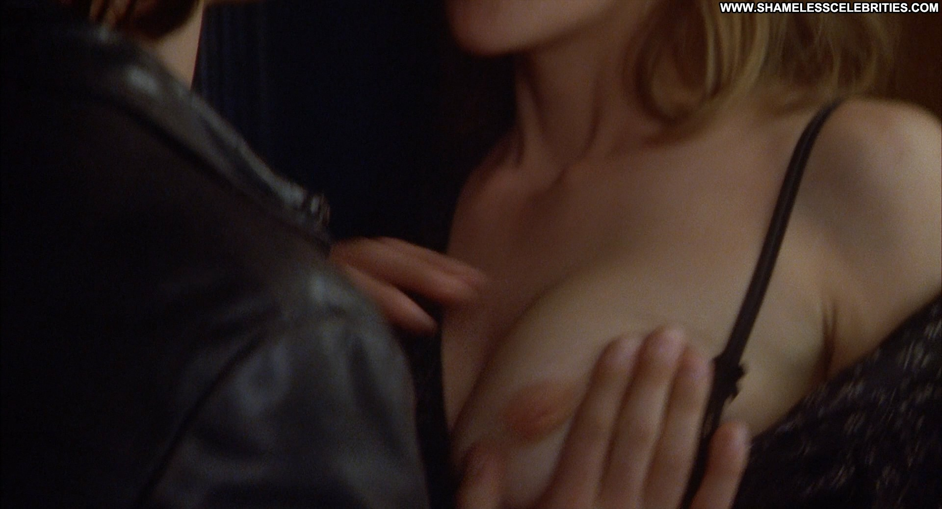 Diane lane nude boobs and nipples in unfaithful movie 6