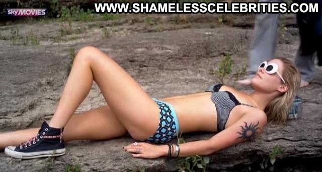 Rachael Taylor Spliterheads Wet Bikini Posing Hot Hot
