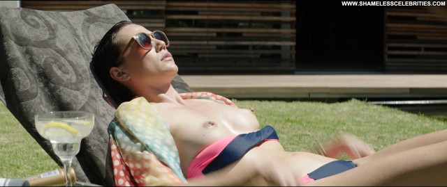Dominique Jossie Zulu Topless Celebrity Nude Posing Hot
