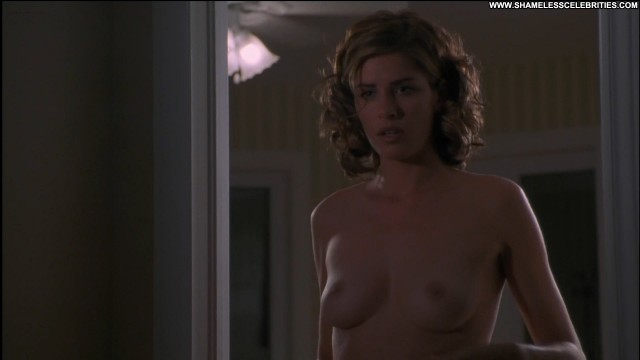 Amanda Peet The Whole Nine Yards Posing Hot Bra Celebrity Sex Nude