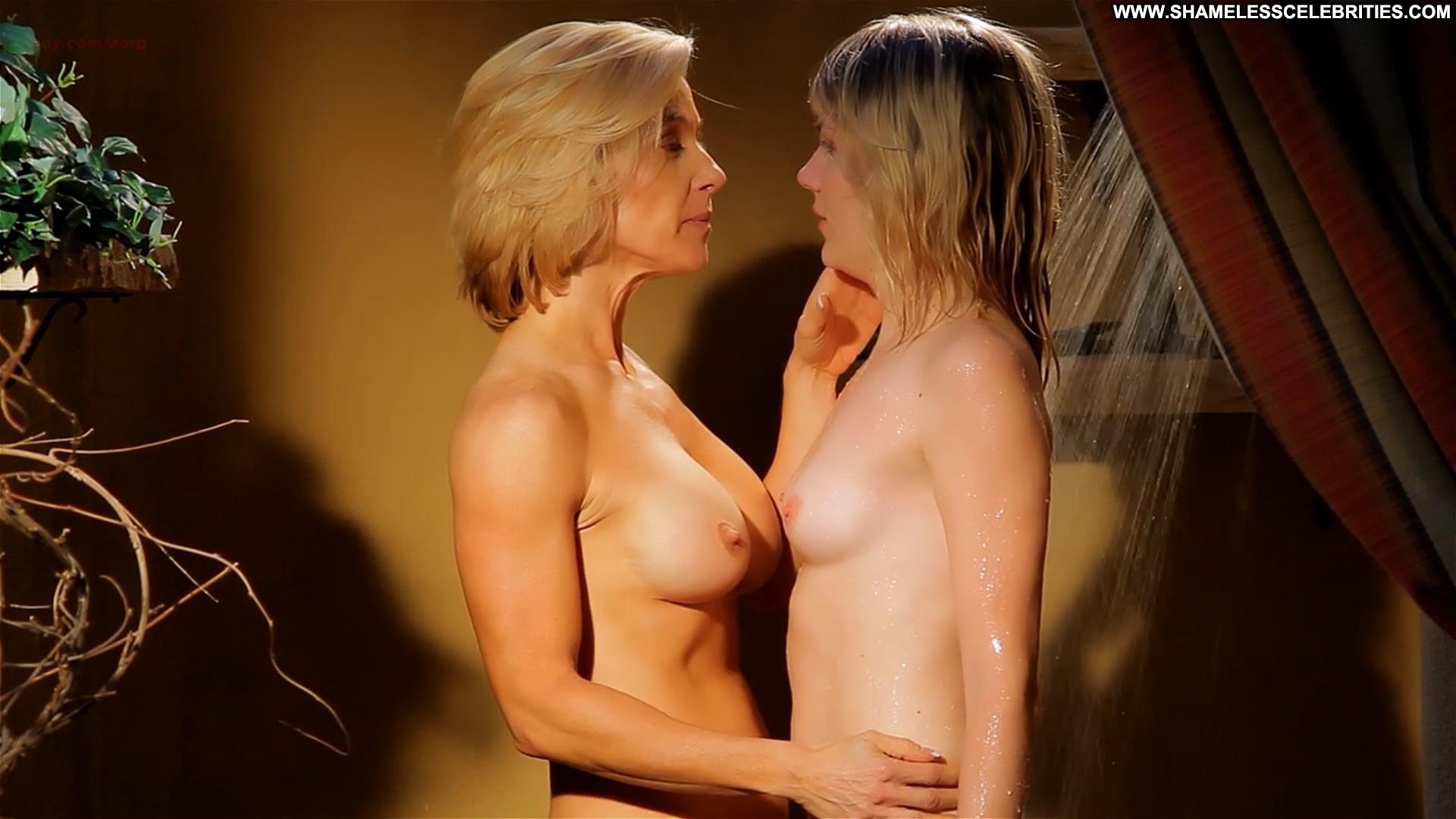 celebrity nude lesbian