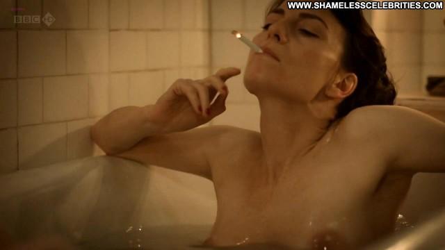 Anna Wilson Jones The Night Watch Posing Hot Nude Celebrity Lesbian