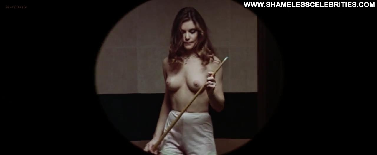 money dee wallace stone 10 celebrity posing hot nude topless hot