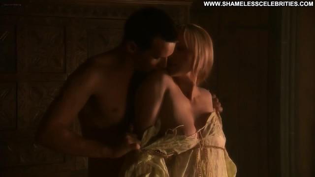 Slaine Kelly The Tudors Boobs Topless Posing Hot Nude