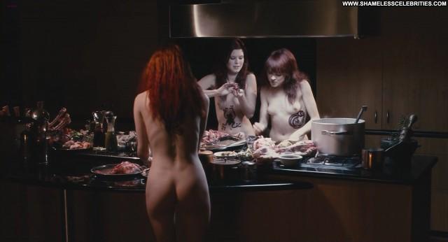 Kate Bell Macbeth Celebrity Nude Posing Hot