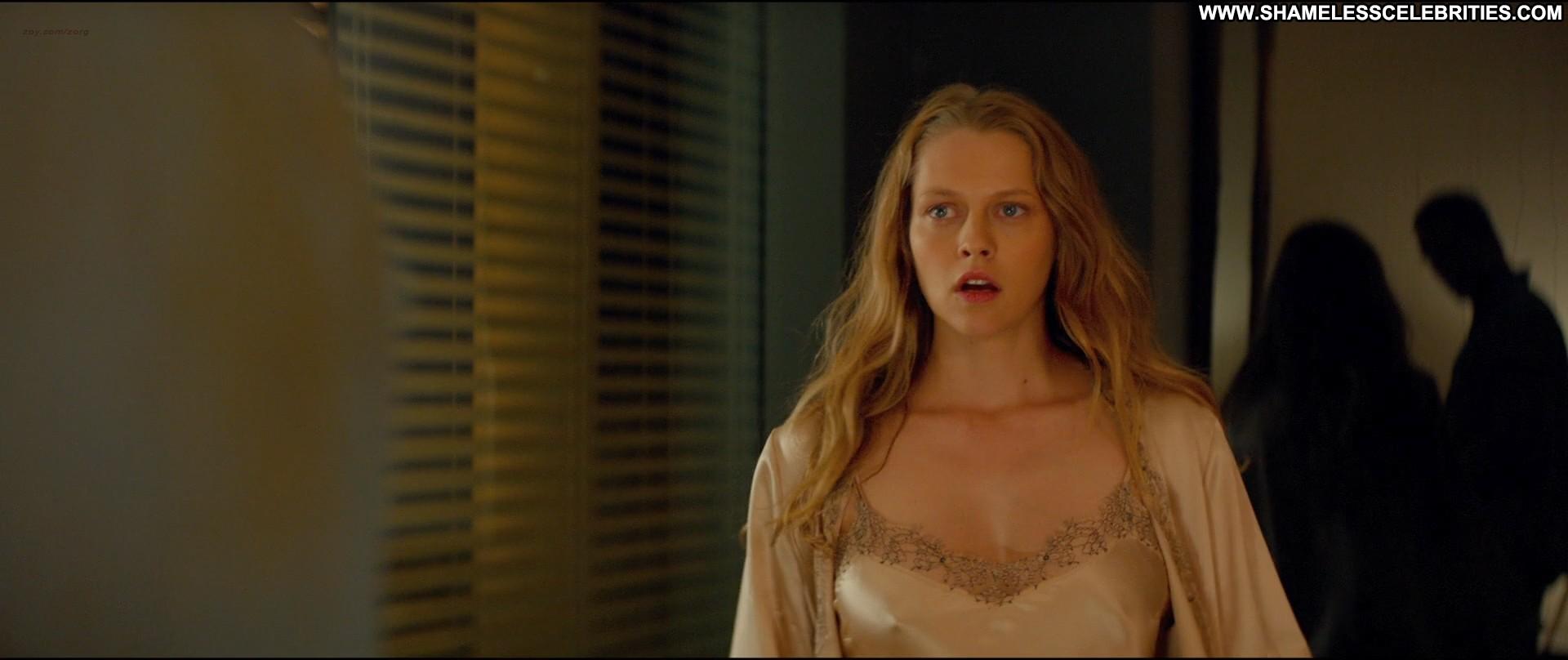 teresa palmer alice braga kill me three times celebrity posing hot shower actress nude topless