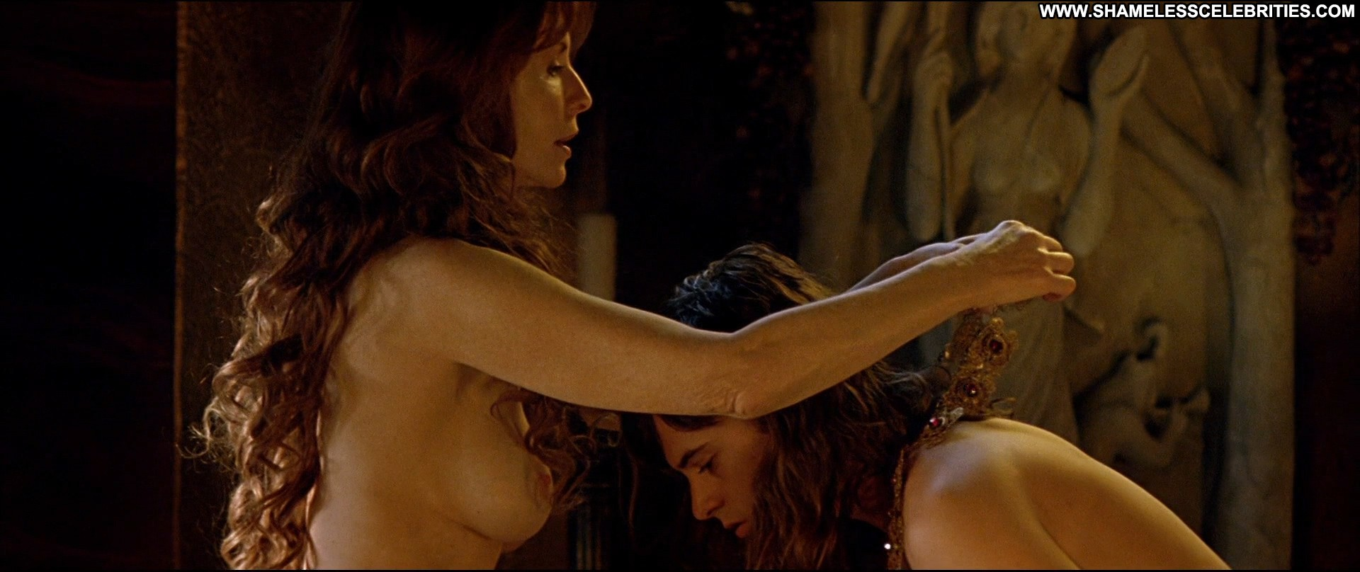 Emma Stone Nude Celebrity Pics