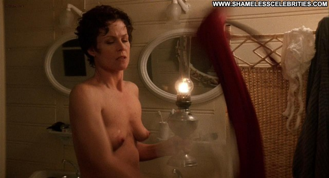 Sigourney Weaver Death And The Maiden Topless Posing Hot