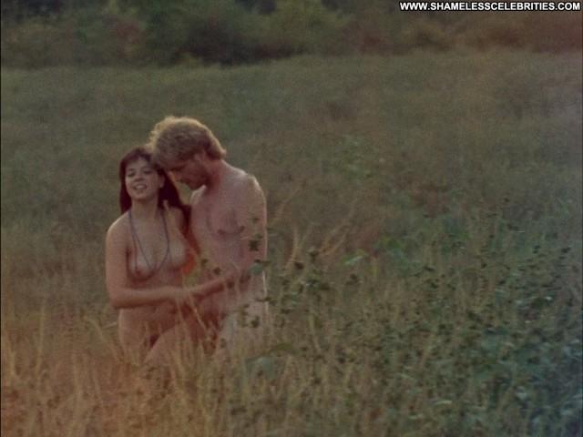 Leslie Orr The Manson Family Celebrity Nude Posing Hot Sex Orgy