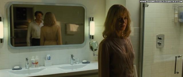 Nicole Kidman Before I Go To Sleep Shy Nude Posing Hot