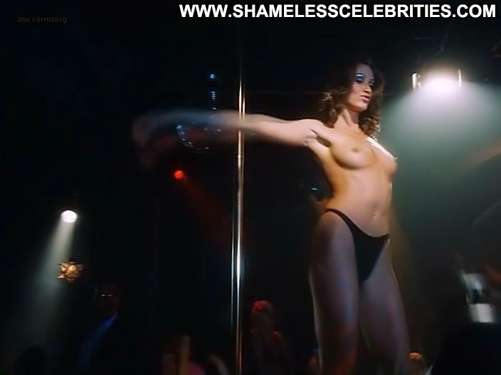 hot sexy monica bellucci nude boobs