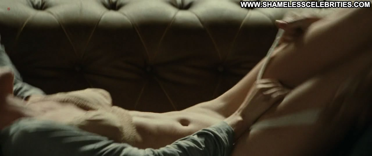 Olivia Wilde Shows Kate Mara Her Nipple  Celeb Jihad