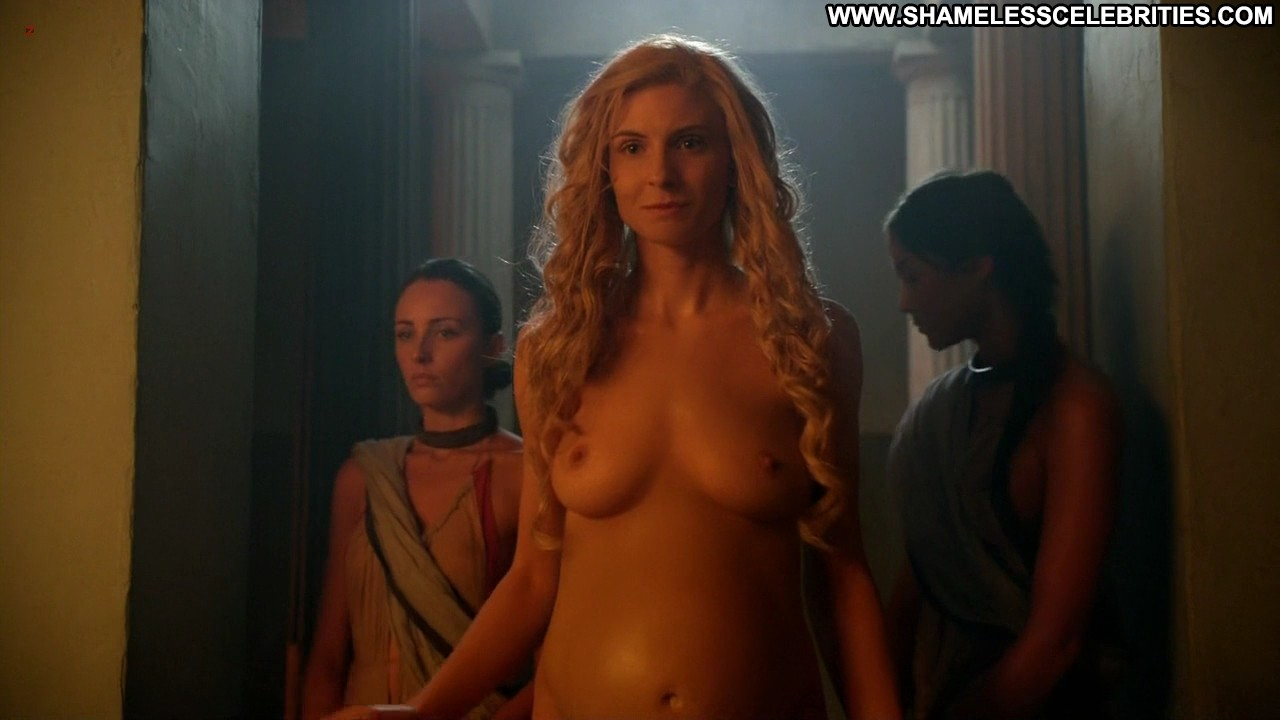 Lucy lawless in spartacus vengeance 8