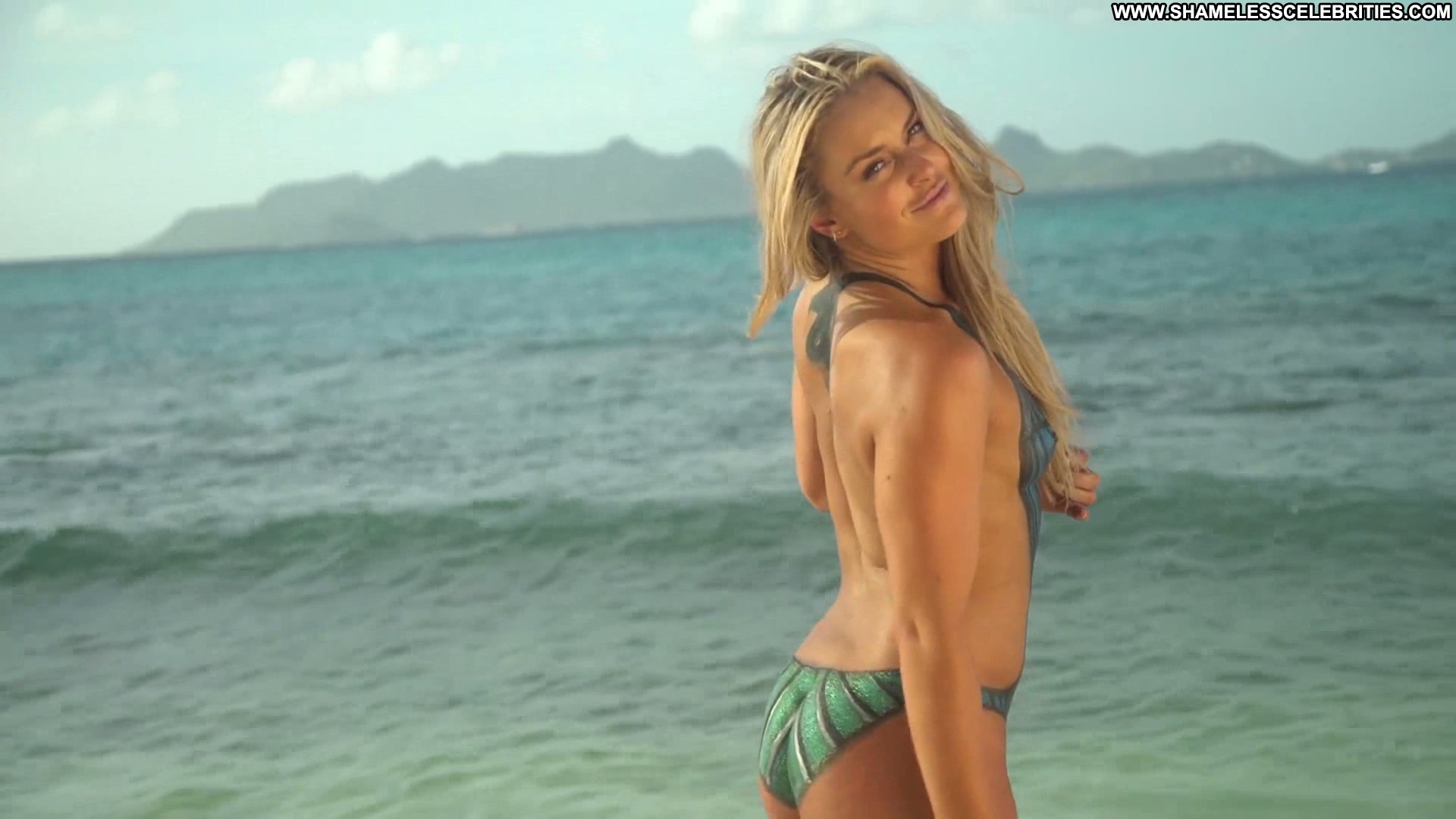 ... Full Frontal Celebrity Beautiful Babe Posing Hot Nude Hd Full Frontal