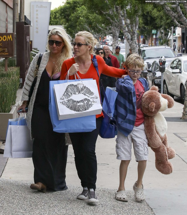 Jenny Mccarthy Shopping Celebrity Shopping Posing Hot High Resolution