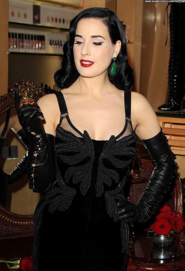 Chl  E Moretz Los Angeles Babe High Resolution Celebrity Posing Hot
