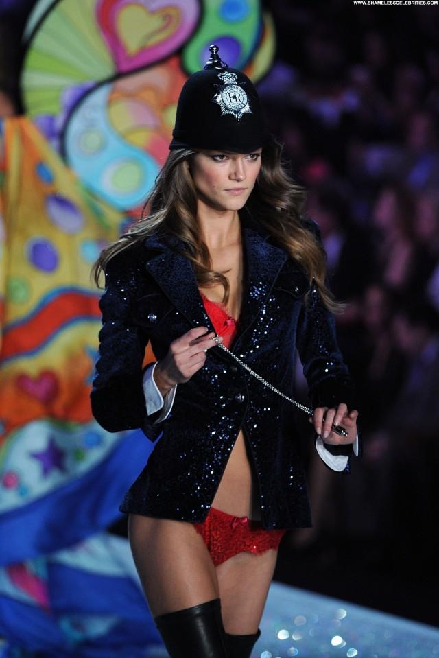 Kasia Struss Fashion Show Beautiful Fashion Babe High Resolution