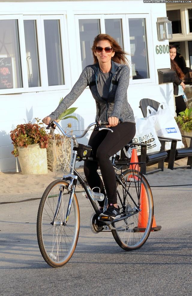Cindy Crawford No Source Celebrity Posing Hot Beautiful Bike Malibu
