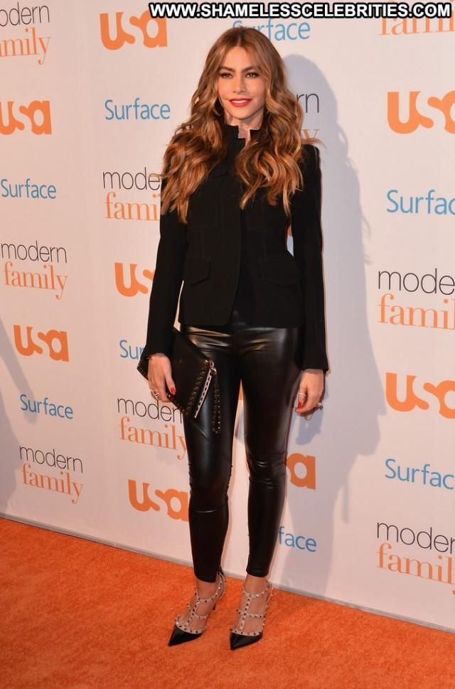 Sofia Vergara Modern Family Usa Beautiful High Resolution Celebrity