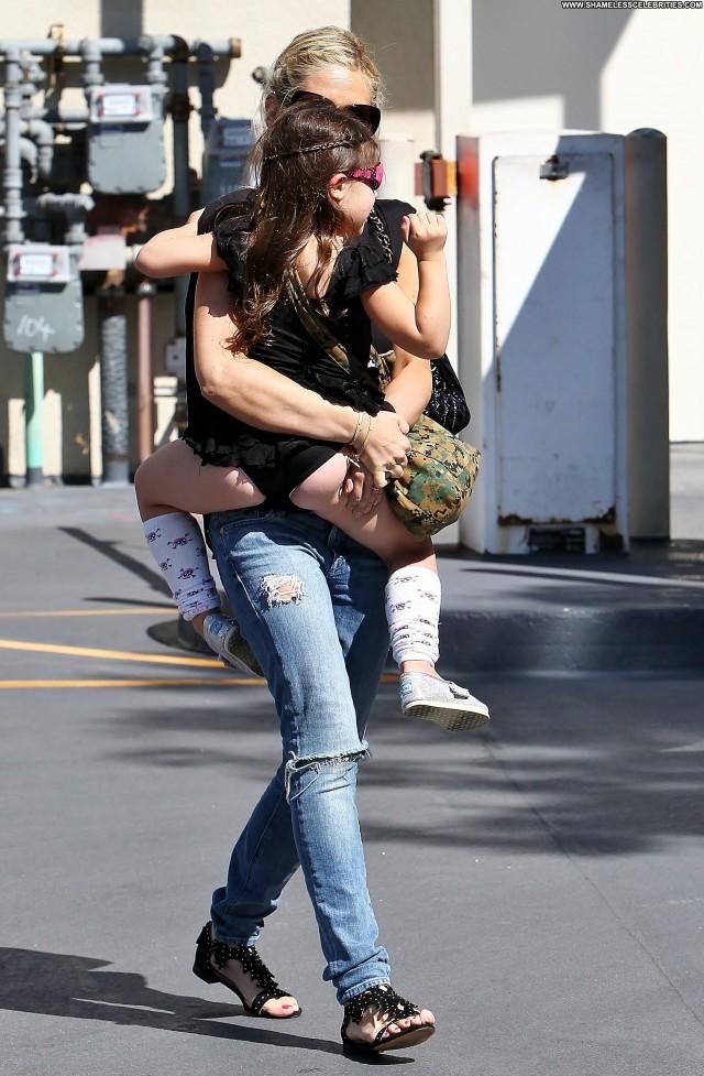 Sarah Michelle Gellar Michelle Beautiful Babe High Resolution Posing