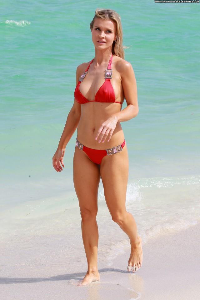 Joanna Krupa Beautiful Posing Hot Celebrity High Resolution Babe