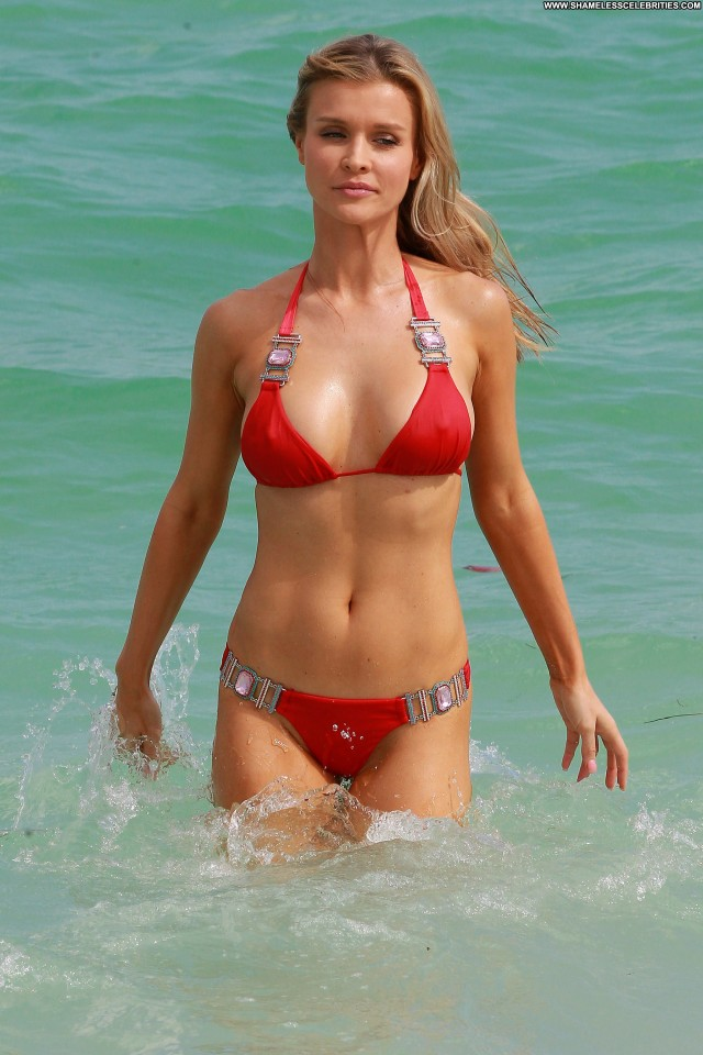 Joanna Krupa No Source Posing Hot High Resolution Babe Bikini