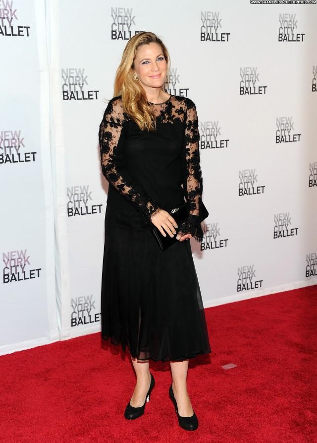 Drew Barrymore New York New York Posing Hot Babe Beautiful High