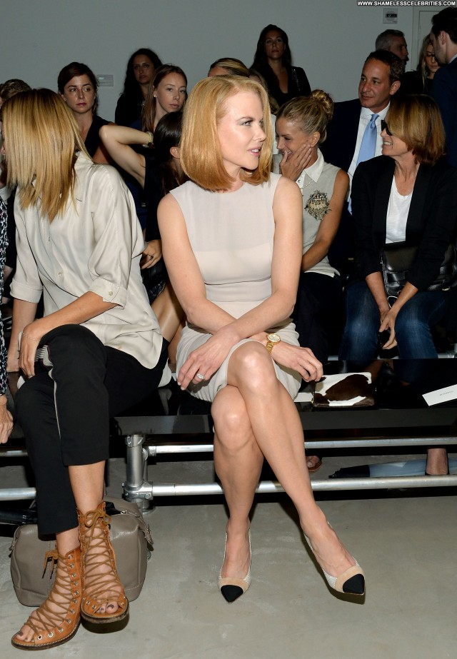 Nicole Kidman Fashion Show New York Posing Hot High Resolution Babe