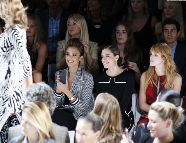 Diane Von Furstenberg Fashion Show  Beautiful Babe High Resolution
