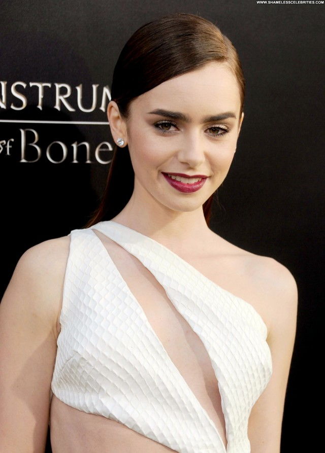 Lily Collins Los Angeles Posing Hot Beautiful High Resolution
