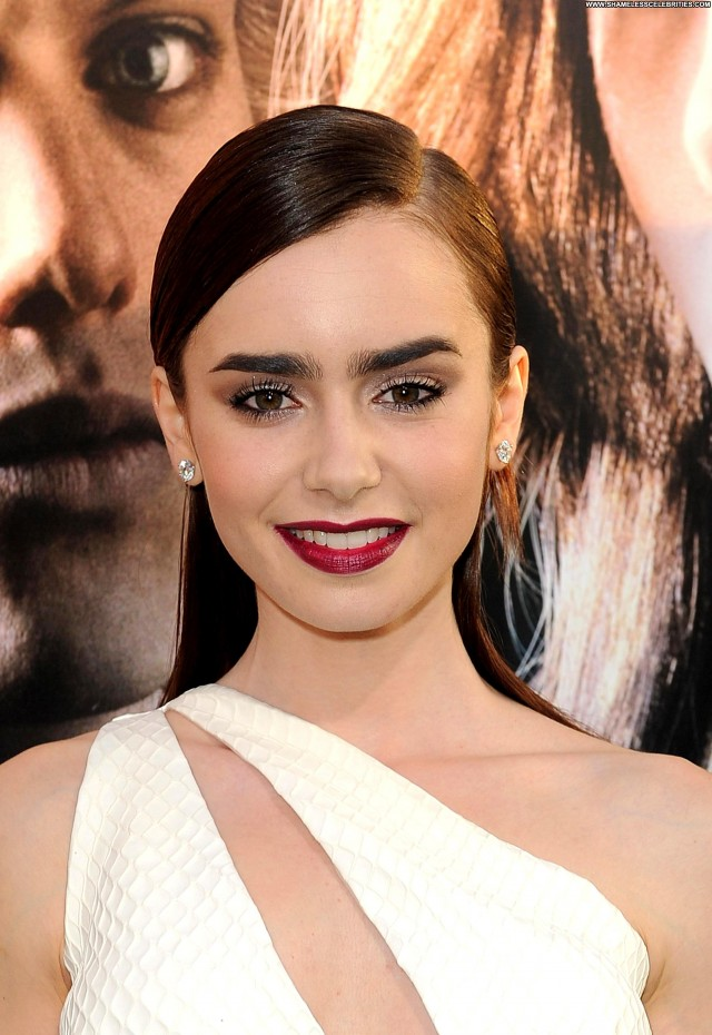 Lily Collins Los Angeles Hollywood Celebrity Beautiful Posing Hot