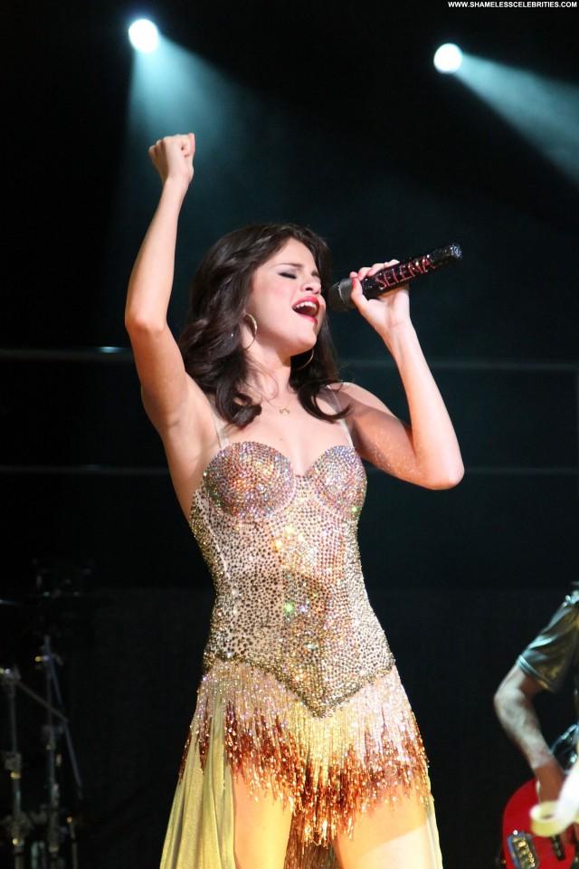 Selena Gomez No Source Babe Posing Hot Beautiful High Resolution