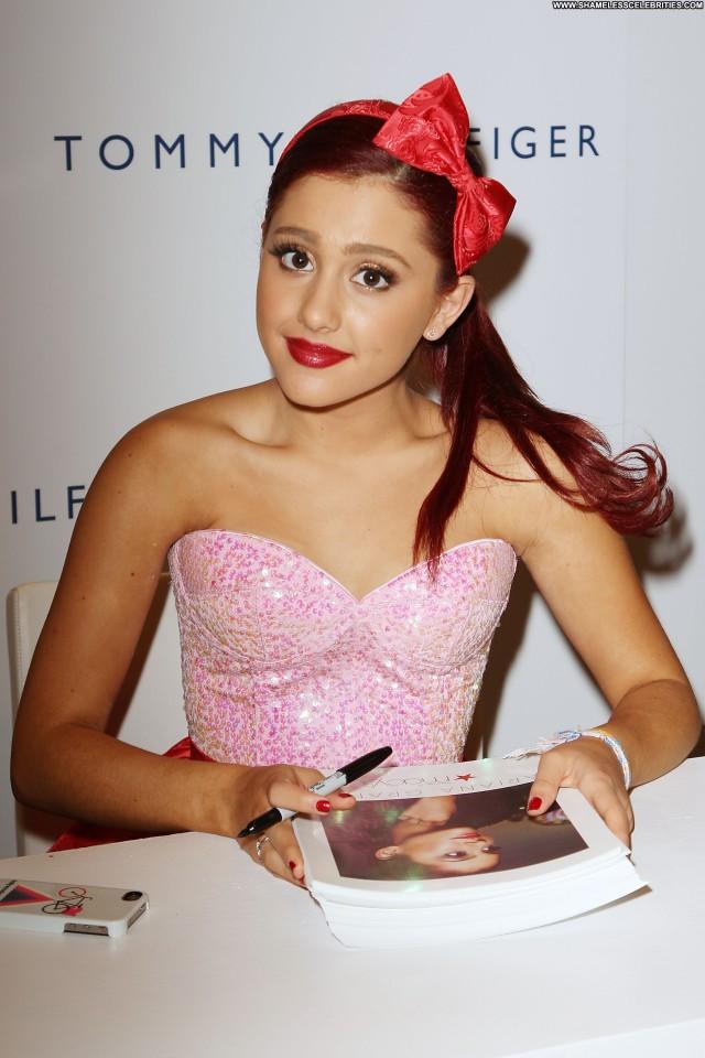 Ariana Grande No Source Beautiful Celebrity High Resolution Posing