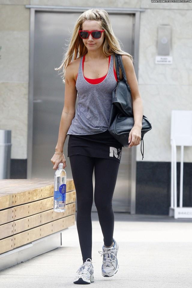 Annalynne Mccord Beverly Hills  Babe High Resolution Beautiful Posing