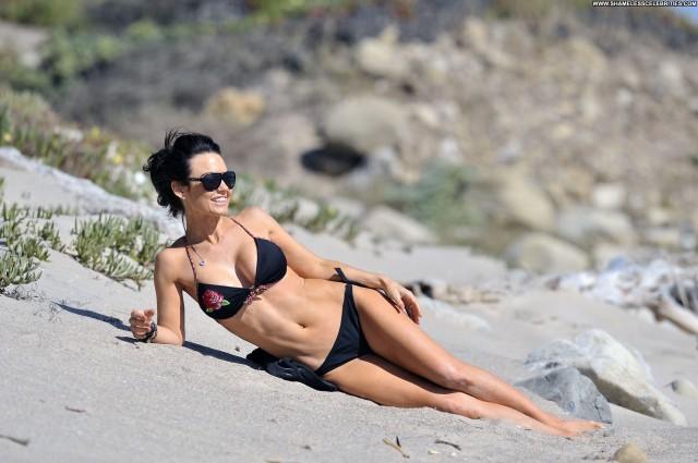 Kelly Carlson The Beach Babe Beautiful Posing Hot High Resolution