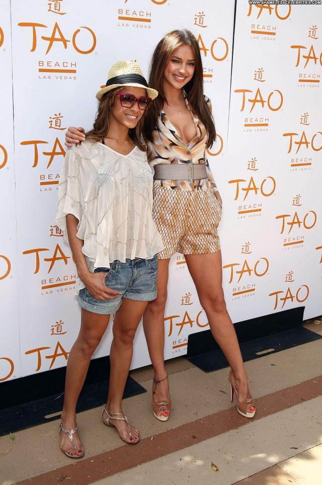Irina Shayk Las Vegas High Resolution Beach Posing Hot Celebrity