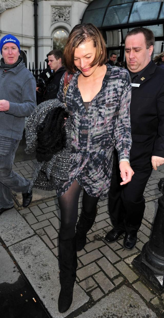 Milla Jovovich No Source High Resolution Beautiful Hotel Celebrity