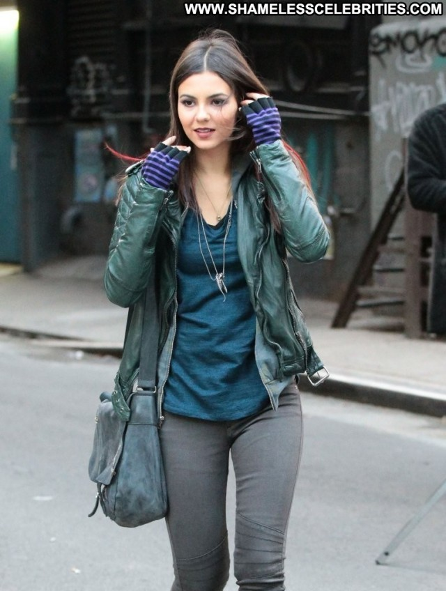 Victoria Justice Eye Candy Nyc Babe Posing Hot Celebrity High